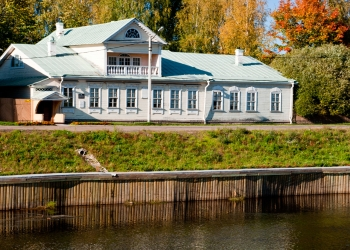 4_Государственный-дом-музей-Н.А.-Римского-Корсакова,-начало-XIX-в