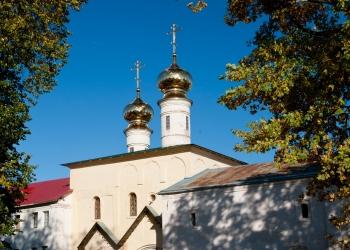 11_Святые-врата-с-церковью-Вознесения-Господня