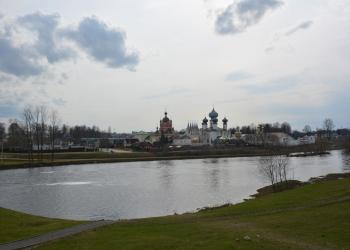 2_Панорама-монастыря-со-смотровой-площадки-Фишевой-горы