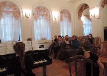 4_В концертном зале Дома-музея Н.А. Кимскова-Корсакова